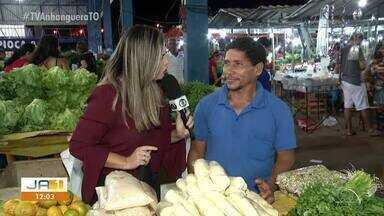 Ana Paula Rehbein faz compras em feira de Palmas - Ana Paula Rehbein faz compras em feira de Palmas