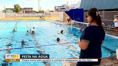 Crianças de escola em Vila Velha, ES, aprendem desde cedo o polo aquático - Amizade e disciplina são ensinadas na escola.
