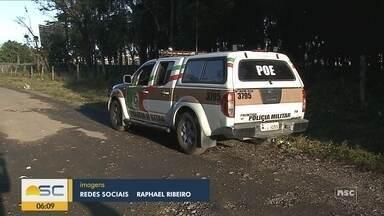Criminosos tentam roubar carro e são presos pela PM em Joinville - Criminosos tentam roubar carro e são presos pela PM em Joinville