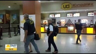 Procon fiscaliza parques e cinemas no Recife - De sete espaços analisados no Shopping Recife, quatro foram notificados.