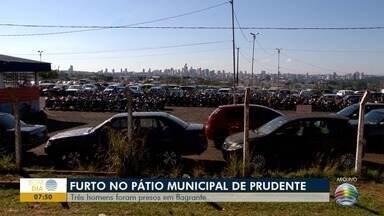 Três são presos por furto, em Presidente Prudente - Suspeitos estavam levando peças de veículos estacionados próximo ao pátio municipal.