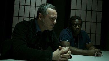 Almeidinha e Tomás interrogam Paul - Bêbado, ele confessa suas armações com Dalila