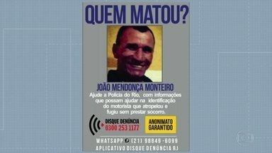 Polícia analisa imagens do atropelamento de ciclista em São Pedro da Aldeia - Polícia tenta identificar motorista que atropelou e matou João Mendonça Monteiro, de 55 anos, e depois fugiu sem prestar socorro.