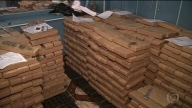 Polícia apreende três toneladas de maconha em São Paulo - A droga estava escondida numa casa. Em outra operação, policiais também encontraram 450 quilos de maconha, na zona sul da capital paulista.