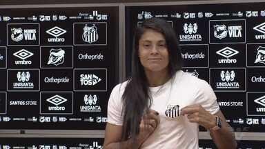 Quarta maior artilheira das Sereias, Sole Jaimes retorna ao Santos - A atacante argentina, que brilhou com a camisa do Peixe entre 2015 e 2017, foi apresentada nesta quinta-feira (11).