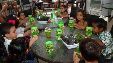 Projeto Eco Preservar na Maraponga da aula de ecologia às crianças - Saiba mais em g1.com.br/ce