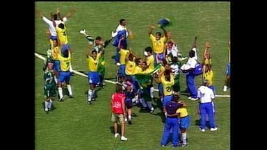 É Tetra! série conta a história do título brasileiro na Copa de 1994 - É Tetra! série conta a história do título brasileiro na Copa de 1994