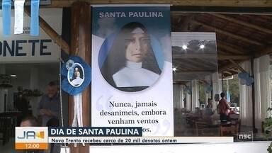 Fiéis participam de missa e procissão em homenagem a Santa Paulina em Nova Trento - Fiéis participam de missa e procissão em homenagem a Santa Paulina em Nova Trento