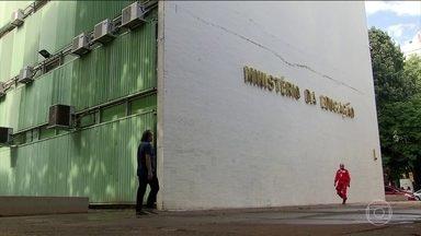 Ministério da Educação apresenta projeto para injetar dinheiro privado em universidades - Projeto ainda vai passar por consulta pública e terá de ser aprovado pelo Congresso.