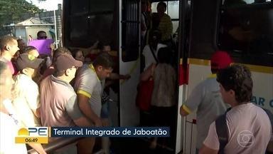 Pelo quinto dia consecutivo, Linha Centro do metrô do Recife segue sem funcionar - Previsão da CBTU é que o sistema volte a operar normalmente nesta quinta-feira (18).