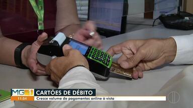 Cresce volume de pagamento com cartão de débito - Cartão oferece praticidade para os clientes.