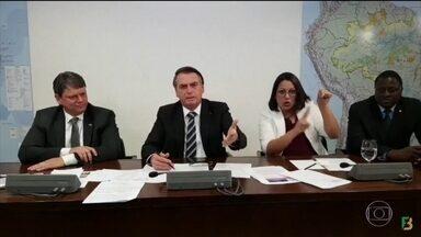 Jair Bolsonaro volta a defender indicação de Eduardo Bolsonaro para cargo de embaixador - A possível nomeação vem gerando críticas nos meios político e diplomático.
