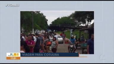 Veranistas enfrentam fila para travessia no trapiche de Icoaraci - Veranistas enfrentam fila para travessia no trapiche de Icoaraci