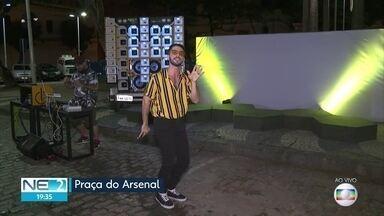 Festa com pop e brega movimenta o Bairro do Recife - Evento ocorre na Praça do Arsenal