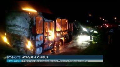 Ministério Público denuncia três jovens por incêndio a um ônibus em Toledo - Os denunciados vão responder pelos crimes de incêndio qualificado e corrupção de menor.