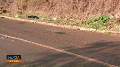 Buraco em local de acidente de ciclista é fechado em Londrina - Local, na zona norte da cidade, foi coberto com massa asfáltica. Morte de ciclista foi na noite de quinta-feira (18).