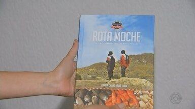 """Ciclistas lançam em Bauru livro com relato de viagem ao Peru - O livro """"Rota Moche"""", que mostra os lugares históricos e a gastronomia da região norte peruana, tem lançamento nesta terça-feira (23) em uma livraria de Bauru."""