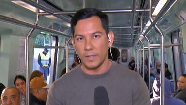 Passageiros da CPTM reclamam de horários e estrutura de estações no Alto Tietê - Atraso é uma das reclamações. Um outro passageiro afirmou que não encontrou fraldário na estação para trocar as fraldas do filho.
