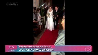 Celulares iluminam noiva que se casou durante apagão - Confira as imagens do casamento, aconteceu em Uberlândia, Minas Gerais