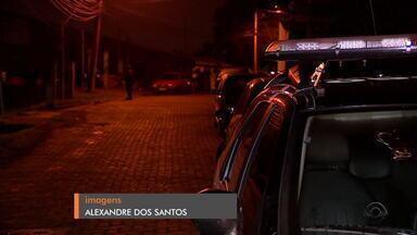 Quatro pessoas são encontradas mortas na Zona Leste de Porto Alegre - Uma delas teria sido torturada.