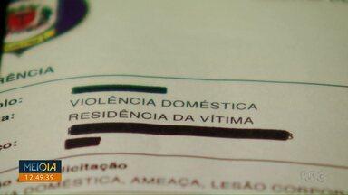 Meio Dia Paraná apresenta relatos de mulheres que sofreram com relacionamentos abusivos - Os textos são de boletins de ocorrência e foram compilados em um livro organizado pela prefeitura de Curitiba.