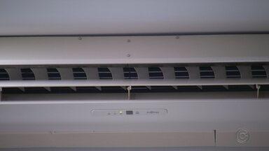 Inverno exige cuidados especiais com ar-condicionado - É importante que a manutenção do aparelho seja feita nesta época do ano para que ele esteja funcionando corretamente durante o verão.