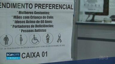 Lei exige prioridade no atendimento a autistas no comércio de Guarapuava - Mais de um mês após entrar em vigor, prefeitura não iniciou a confecção de carteirinhas para identificar quem tem o direito.