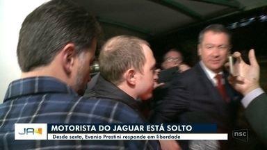 Evanio Prestini, motorista do Jaguar, é solto e responde processo em liberdade - Evanio Prestini, motorista do Jaguar, é solto e responde processo em liberdade