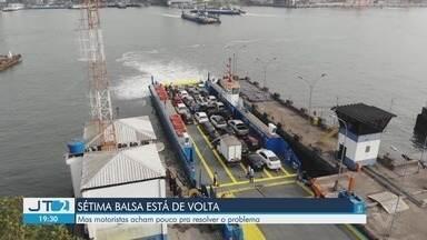 Balsa é reformada e volta a operar na travessia entre Santos e Guarujá, SP - Embarcação FB-11 recebeu quatro motores novos de última geração, mas motoristas acham pouco pra resolver os problemas.