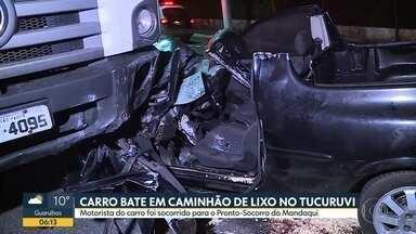 Carro bate em caminhão de lixo no Tucuruvi - Motorista do carro foi socorrido para o pronto-socorro do Mandaqui.