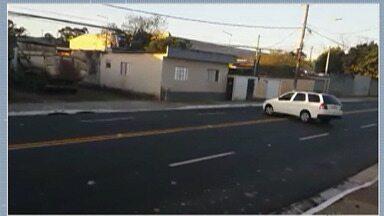 Moradores de Mogi reclamam da sinalização na Avenida das Orquídeas - Eles reclamam da alta velocidade que os motoristas circulam no local, falta de semáforos, entre outros pontos.