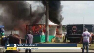 Ônibus de lanches pega fogo durante a Festa de Bom Jesus de Iguape - Veículo estava estacionado na feira montada para a celebração.