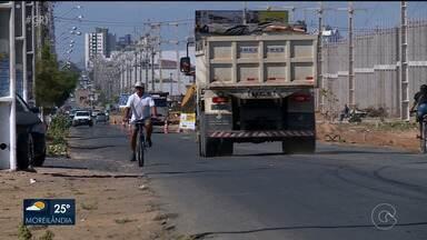 Começam os trabalhos de duplicação da estrada da Banana - Falta de acostamento, de sinalização, de ciclovia e os constantes buracos no asfalto estão com os dias contados.