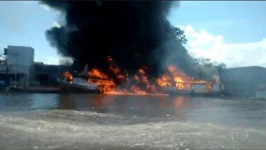 Explosão deixa dois feridos e destrói seis barcos no Amapá - Suspeita é de que barcos transportavam combustível clandestinamente.