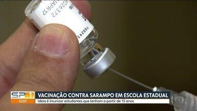 Campanha contra o sarampo chega às escolas estaduais - Na capital, já foram confirmados 484 casos de sarampo, segundo balanço mais atualizado da Secretaria Estadual de Saúde. E já começou a vacinação nas escolas estaduais.