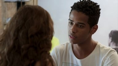 Serginho reclama de Camelo para Rita - Rita diz ao amigo que está cansada de falar de Filipe e pergunta como está a relação dele com o irmão