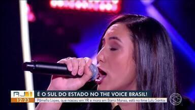 Moradora de Valença participa do The Voice Brasil - Carol Coutas, de 32 anos, está no time Lulu Santos.