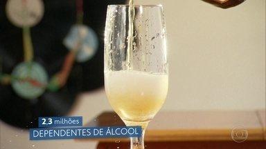 Fiocruz traça o retrato do uso de drogas lícitas e ilícitas no Brasil - Pesquisa ouviu mais de 17 mil pessoas. Estudo revelou que 46 milhões consumiram pelo menos uma dose de bebida alcoólica nos 30 dias anteriores à pesquisa.