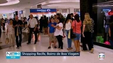 Consumidores aproveitam véspera do Dia dos Pais para comprar presentes - Segundo a Federação do Comércio de Bens, Serviços e Turismo (Fecomercio), gasto médio é de R$ 192.
