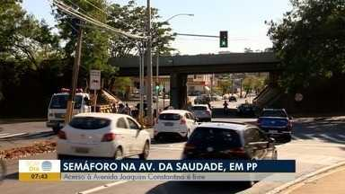 Semáforos da Avenida da Saudade começam a funcionar - Sincronia e tempo dos aparelhos ainda são testados.