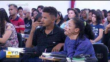 Estudantes da rede estadual de ensino participam de aulão preparatório para o Enem - Estudantes da rede estadual de ensino participam de aulão preparatório para o Enem