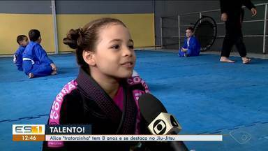 Capixaba de 8 anos se destaca no Jiu Jitsu, no Norte do ES - Alice 'Tratorzinha' treina desde bem nova.