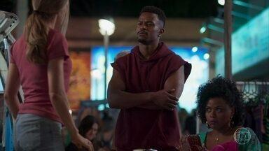 Ramon exige explicações de Paloma sobre Marcos - Lulu acha graça da situação