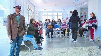 Hospital Nossa Senhora das Graças de Canoas restringe atendimento após superlotação - Emergência reabriu nesta quarta-feira (4), mas setor também está lotado.