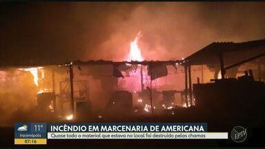 Incêndio em Mercenária de Americana destrói quase todo material do local - O fogo foi controlado em poucos minutos e ninguém se feriu.