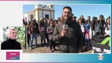 Jovens peregrinam até a Ermida de Nossa Senhora da Piedade - Dia da padroeira de Minas Gerais é comemorado neste 15 de agosto