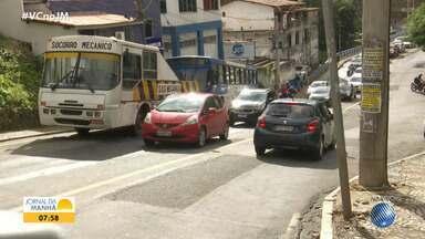 Saiba como está o trânsito em vários pontos da capital baiana nesta quinta-feira - Motoristas devem ter cuidado por causa da chuva que cai em Salvador no início desta manhã.