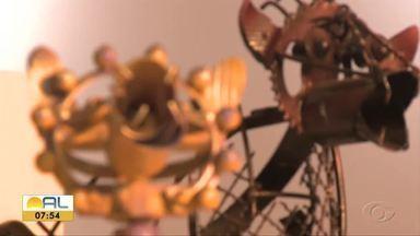 Exposição de arte faz reflexão sobre as diversidades das formas em Maceió - Mostra gratuita está montada no espaço anexo ao Teatro Deodoro.