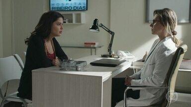 Laila conversa com Letícia sobre o exame de DNA de Jamil - Ela pede o endereço do laboratório para investigar o que aconteceu