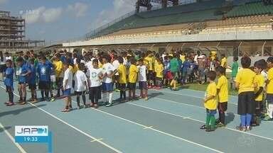 CBF Social encerra com atividades esportivas no estádio Zerão, em Macapá - Técnico da Seleção Brasileira sub-15 de futebol acompanhou a dinâmica.